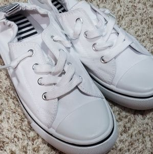 NWOT maurice's shoes